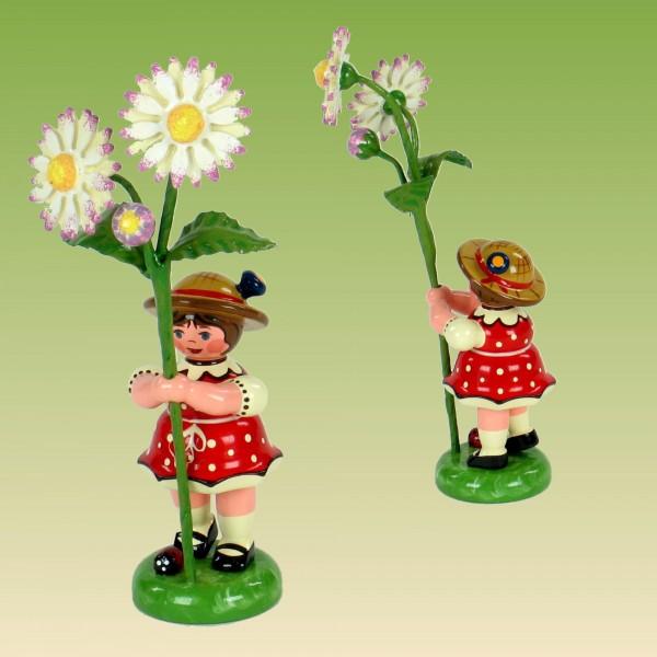 Blumenkind Mädchen mit Gänseblümchen