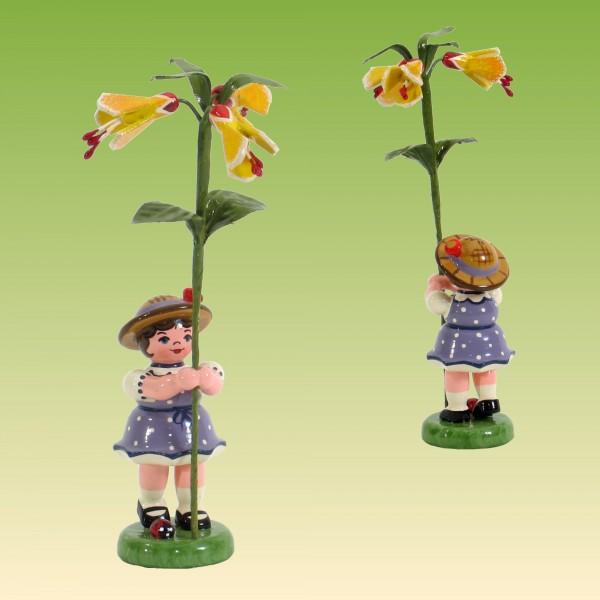 Blumenkind Mädchen mit Schönmalve