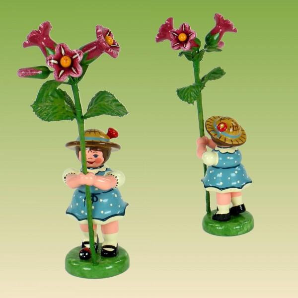 Blumenkind Mädchen mit Alpenrose