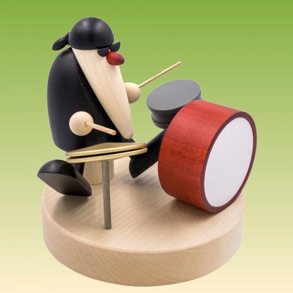 Herr Schneider am Schlagzeug