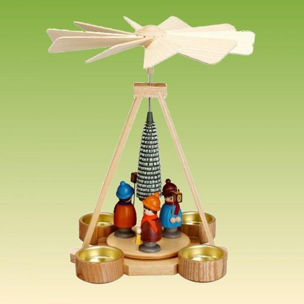 Pyramide mit Laternenkinder