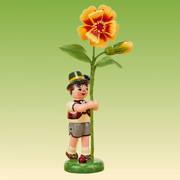 Blumenkind Junge mit Tagetes