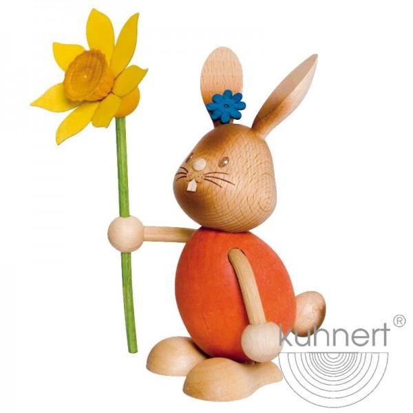 Hase Stupsi mit Blume